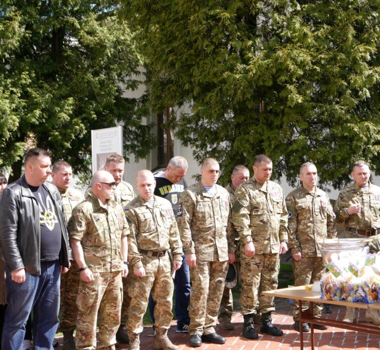 Збір смаколиків для бійців на фронт